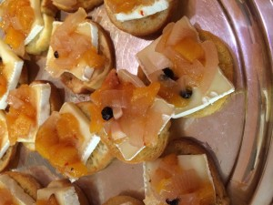 App-Peach-Vidalia-and-Brie-Crostini-300x225